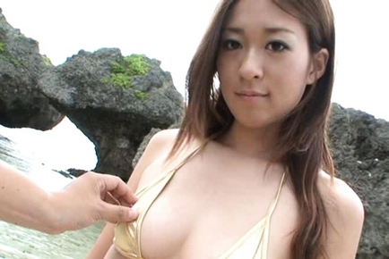 Sweet Risa Misaki on the Seashore Searching for Salty Sperm Snack