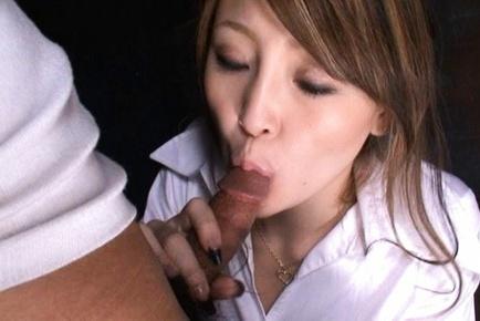Yuu Hinochi horny Japanese model swallows balls