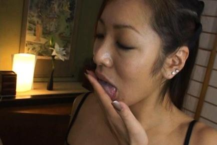 Erena Fujimori Sexy Japanese babe sucks cock