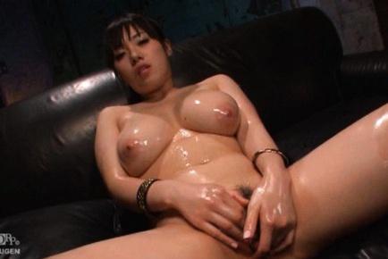 Horny Japanes MILF Azusa Nagasawa has a mouthful of cum