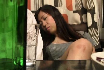 Horny Japanese AV model enjoying a good oral