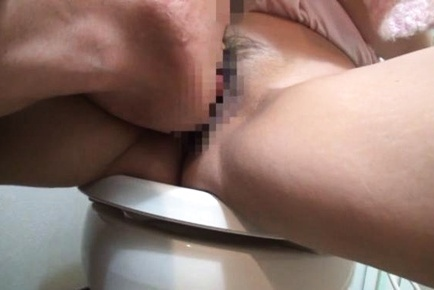 Kinky orgy as Japanese couples fuck hard in wild show