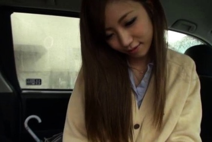 Pretty Japanese schoolgirl enjoys outdoor blowjob session