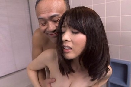 Glamorous Japanese milf gets teased and enjoys bathroom headfuck